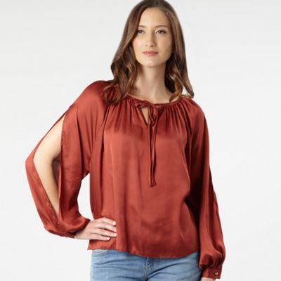 Natural split sleeve blouse