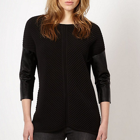 Todd Lynn/EDITION - Designer black ribbed trim jumper