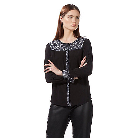 todd-lynn-edition - Black long sleeved snake print yoke top