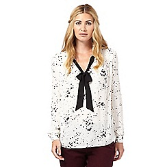 Nine by Savannah Miller - Cream star print blouse