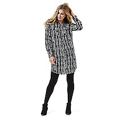 Nine by Savannah Miller - Black and white Aztec print shirt dress