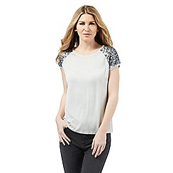 Nine by Savannah Miller - Light grey sequin embellished t-shirt