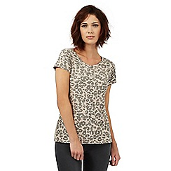 Nine by Savannah Miller - Light pink and grey animal print t-shirt