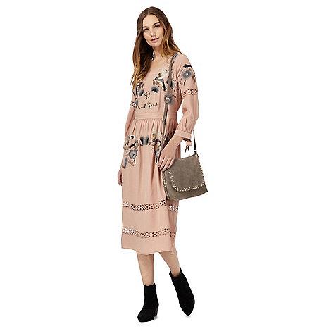 Nine by Savannah Miller - Pink bird embroidered midi shift dress