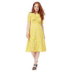 Nine by Savannah Miller - Yellow daisy print midi dress