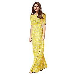 Nine by Savannah Miller - Yellow daisy print maxi dress