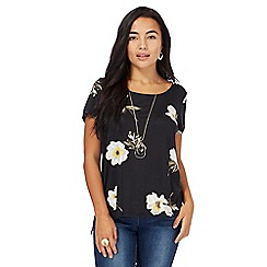 The Collection Petite - Black daisy print petite top