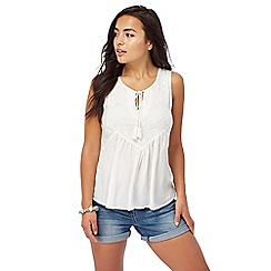 The Collection Petite - White embroidered shell petite top