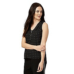 The Collection Petite - Black spot print V neck petite top