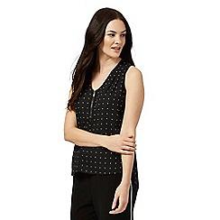 The Collection Petite - Black spot print V neck petite top