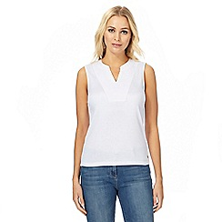 Maine New England - White embroidered notch neck top