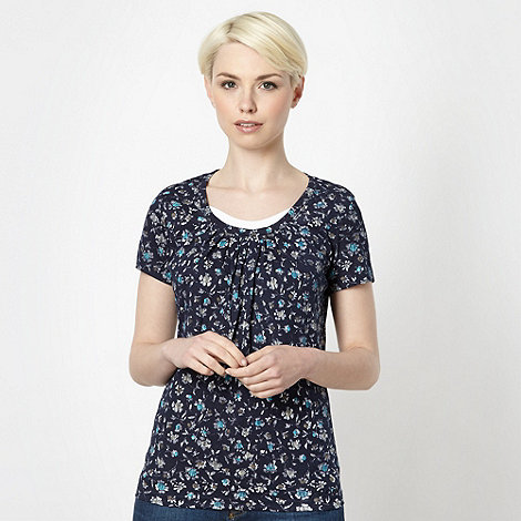 Maine New England - Navy floral scoop top