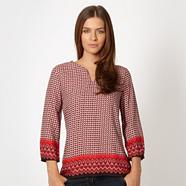 Red spotted border top