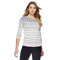 Maine New England - Grey snowflake and stripe print top