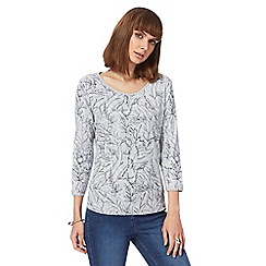 Maine New England - Grey leaf print top
