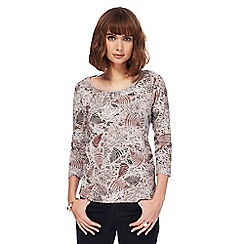 Maine New England - Natural fern print scoop neck top