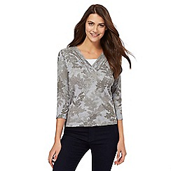 Maine New England - Grey leaf print mock top