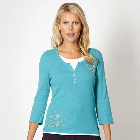 Maine New England - Bright turquoise floral embroidered top