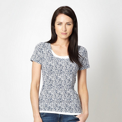 Maine New England - Navy scatter scoop neck top