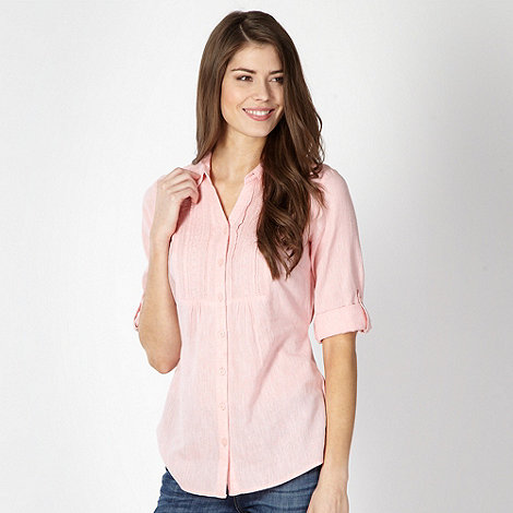 Maine New England - Pale pink linen blend broderie blouse