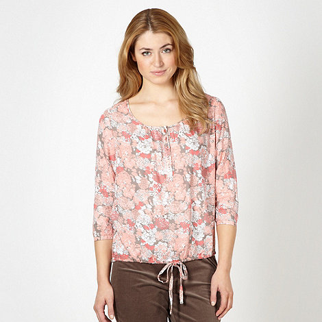 Maine New England - Taupe floral button up top