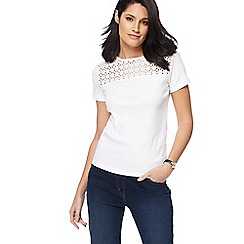 Maine New England - White broderie anglaise top
