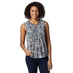 Maine New England - Navy daisy print top