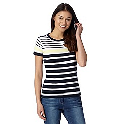 Maine New England - Navy graduated striped top