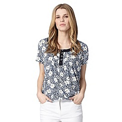 Maine New England - Navy blot daisy top