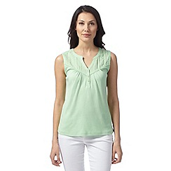 Maine New England - Bright green embroidery neck top