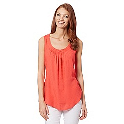 Maine New England - Bright red textured scoop top