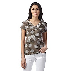 Maine New England - Taupe orchid print ruffle V neck top