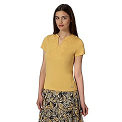 Maine New England - Mustard floral applique t-shirt
