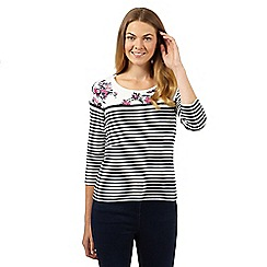 Maine New England - White striped floral yoke top