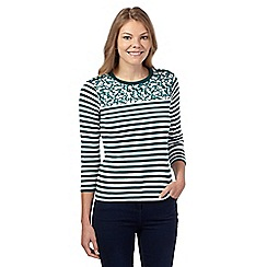 Maine New England - Dark green daisy yoke striped top