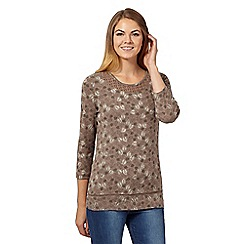Maine New England - Brown leaf lace top