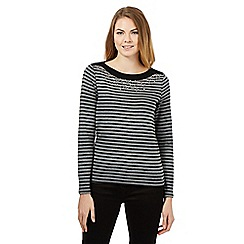 Maine New England - Dark grey striped top