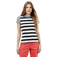 Maine New England - Navy block striped print top