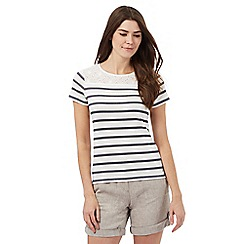Maine New England - Navy cut-out striped top