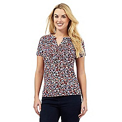 Maine New England - Peach floral button notch top