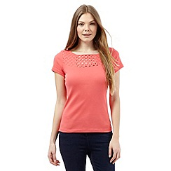 Maine New England - Peach floral cut-out top