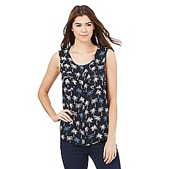 Maine New England - Navy palm tree print scoop neck top