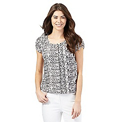 Maine New England - Black and off-white tribal print top
