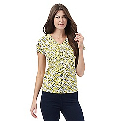 Maine New England - Yellow floral print ruffled V-neck top