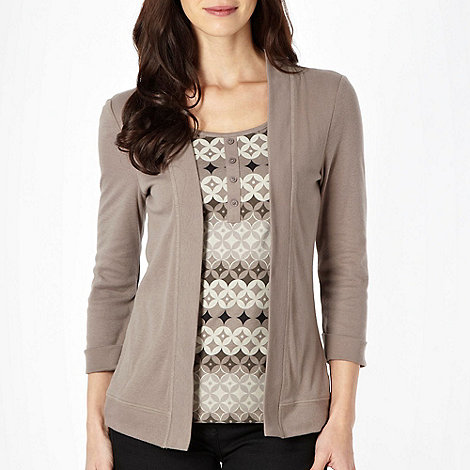 Maine New England - Taupe mock 2 in 1 circles top