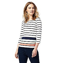 Maine New England - White striped scoop neck top