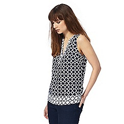 Maine New England - Navy printed notch neck top
