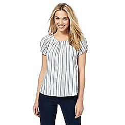 Maine New England - White and light blue striped top