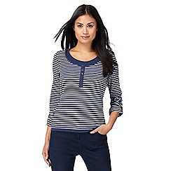 Maine New England - Navy striped layered top