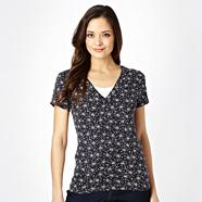 Navy spotted V neck t-shirt